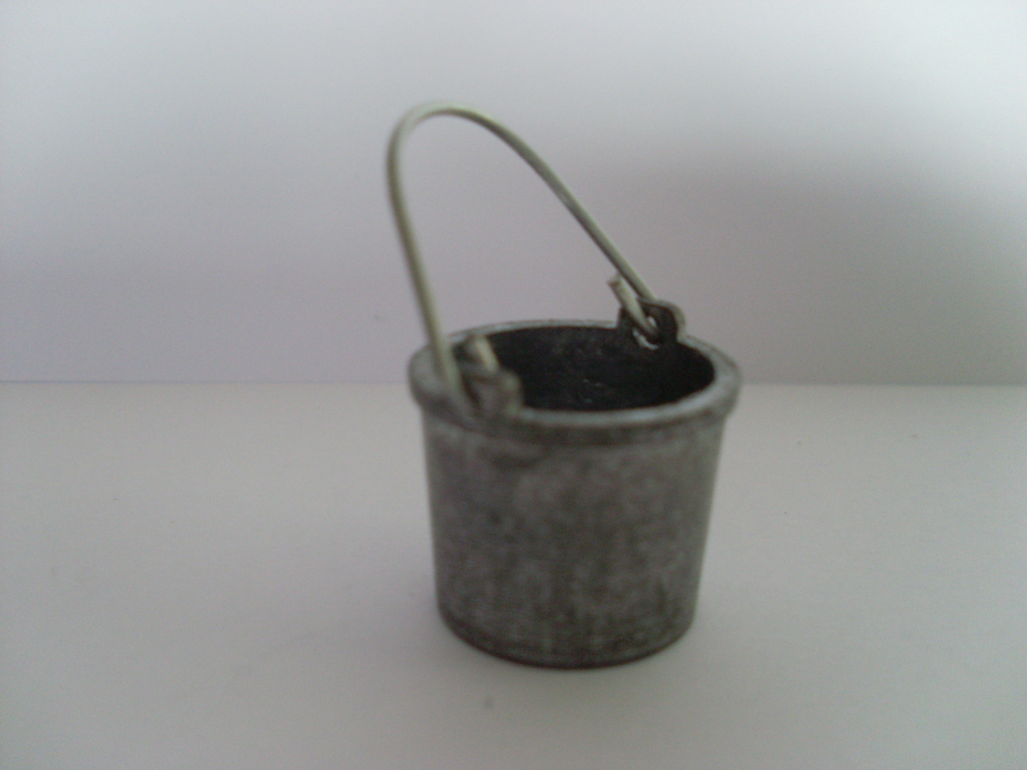 1:6th Scale Metal Bucket